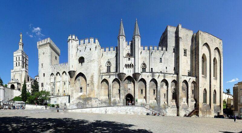 Папский дворец Авиньон