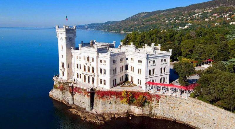 Замок Мирамаре Триестр Италия
