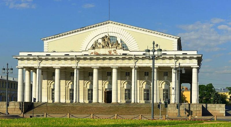 Здание биржи Санкт-Петербург