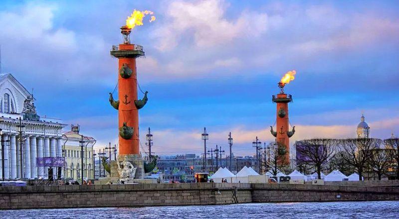 Ростральные колонны Санкт-Петербург