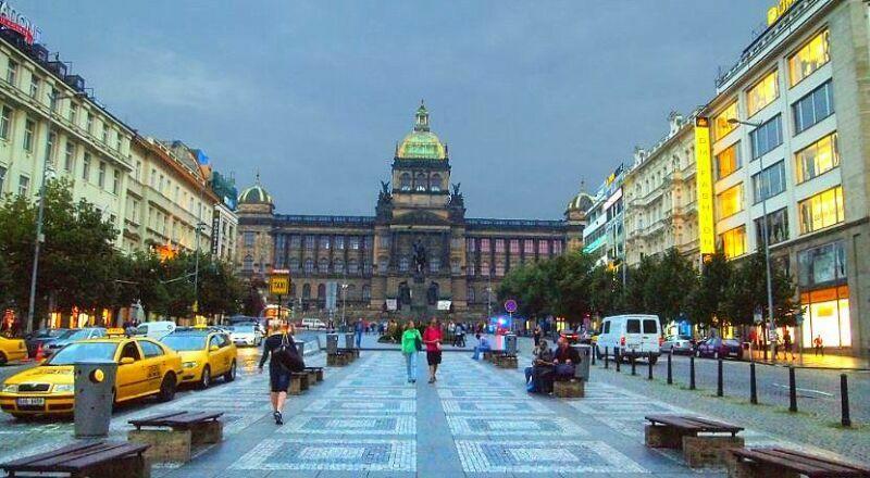 Вацлавская площадь Прага