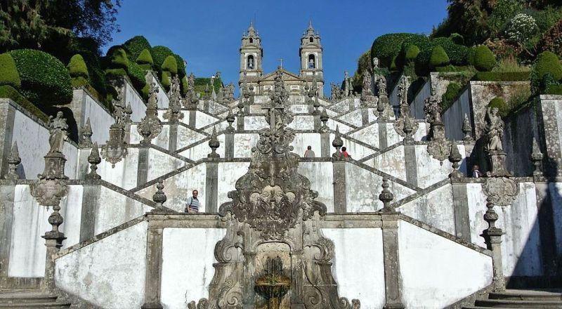 Церковь Святого Иисуса на горе Брага Португалия