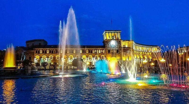 Поющие фонтаны Ереван