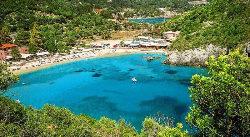 Пляж Палеокастрица Корфу Греция
