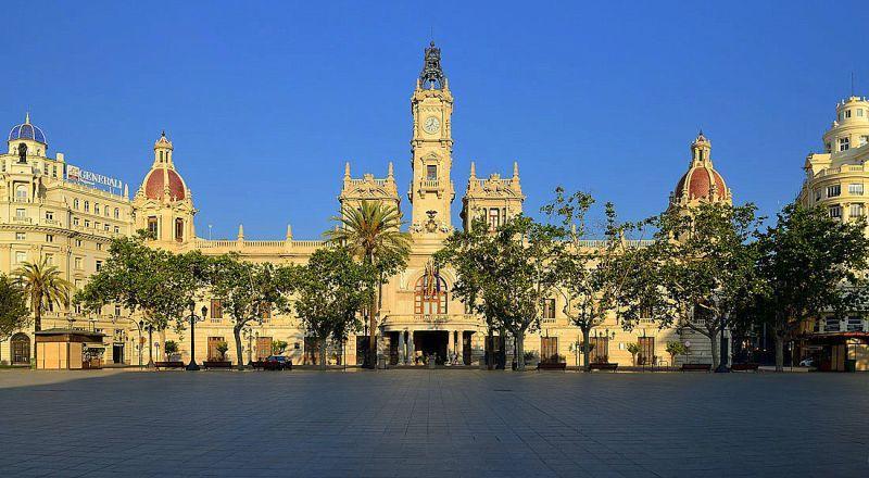 Площадь Мэрии Валенсия
