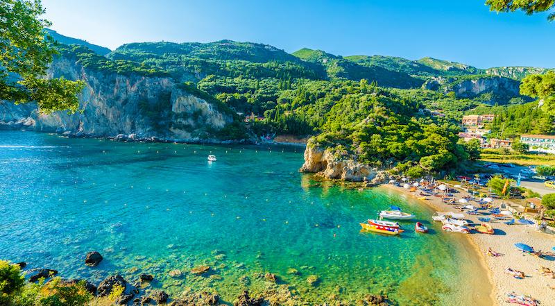 Пляж Палеокастрица Корфу