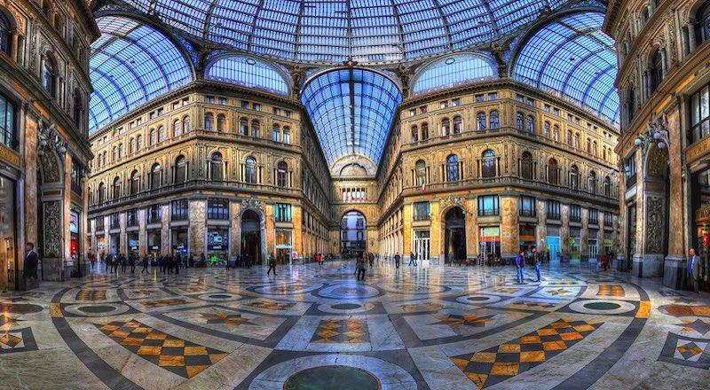 Галерея Умберто I в Неаполе