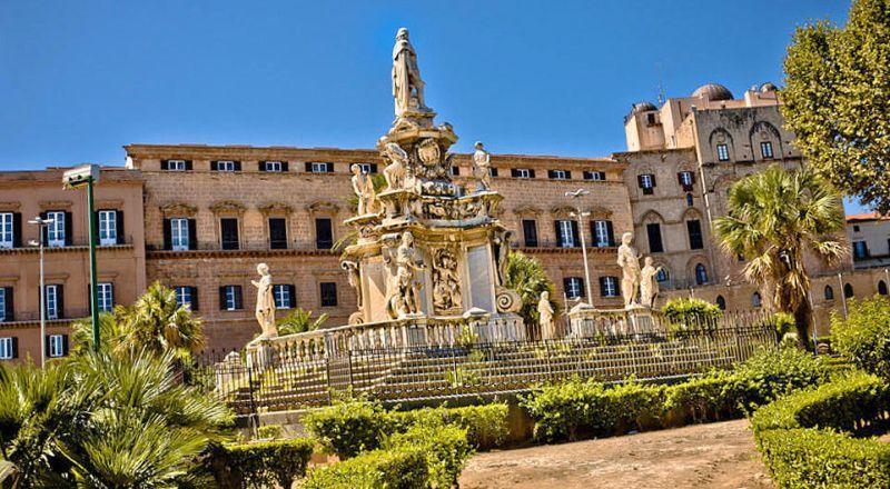 Дворец Палаццо Норманни Сицилия
