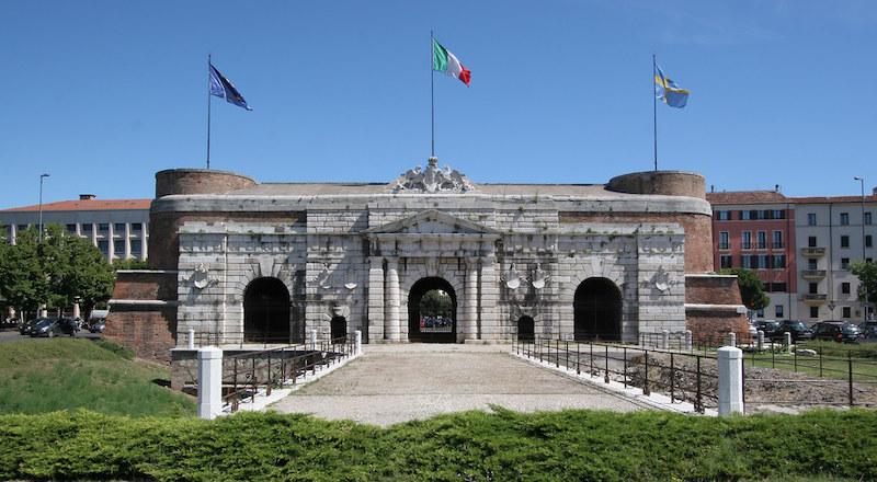 Порта Нуова Верона