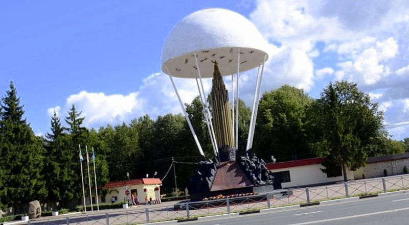 Памятник 6 роте ВДВ