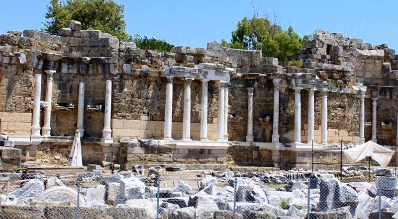 Сиде стены древнего города
