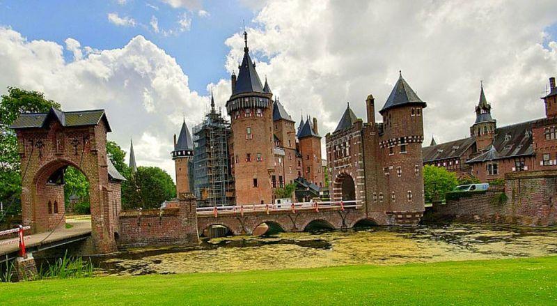 Замок Де Кеененбург