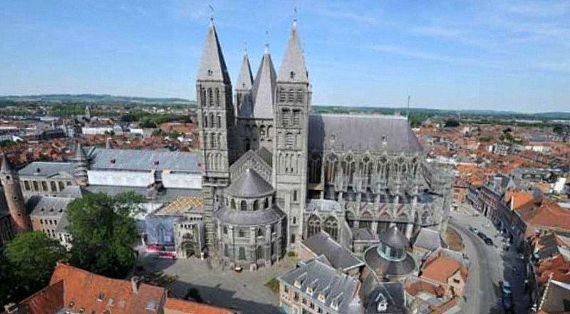 Бельгия Собор Нотр Дамм в Турне