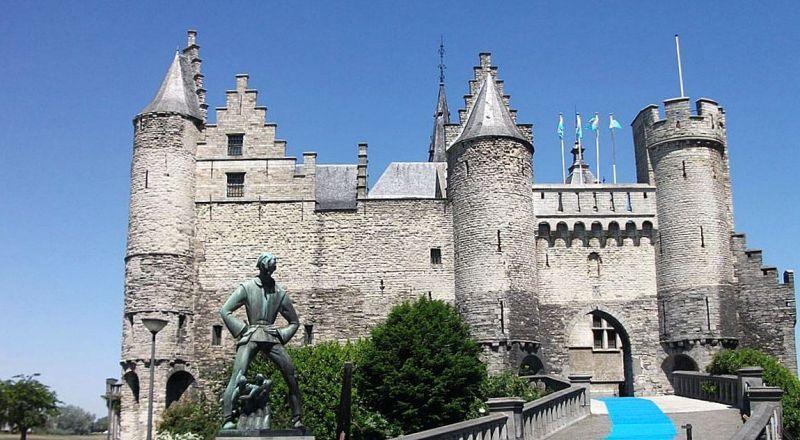 Замок Стен Бельгия