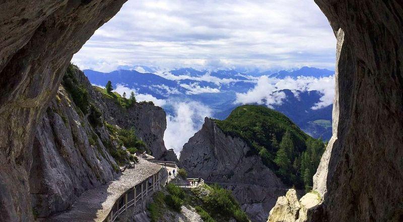 Австрия ледяная пещера Айсризенвельт