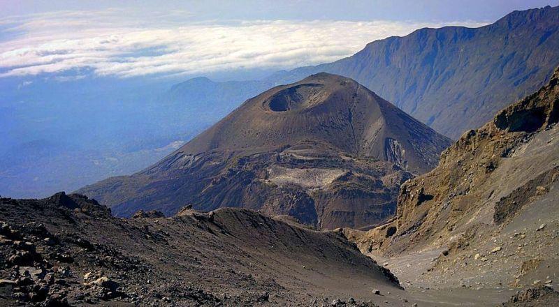 Танзания вулкан Меру