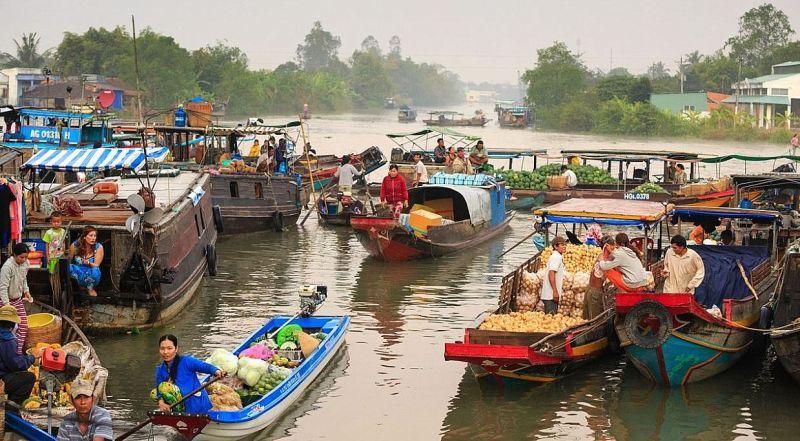 Дельта Меконга – плавучий рынок