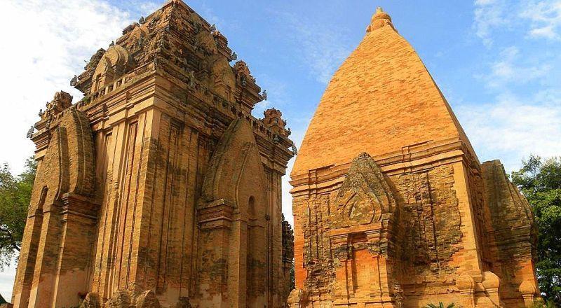 Храмовые башни По Нагар