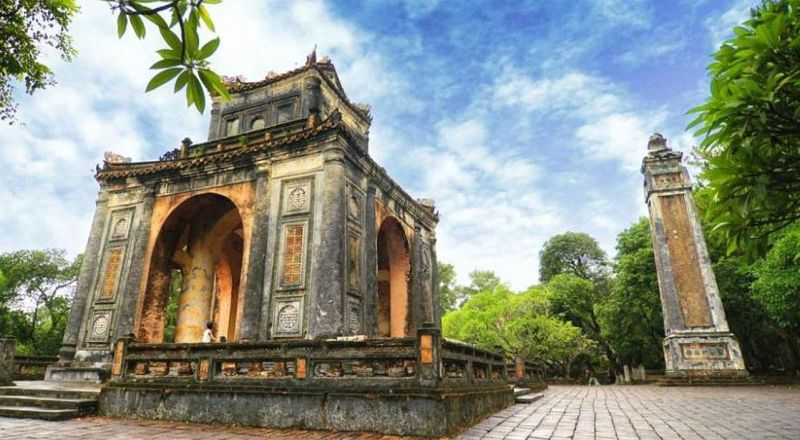 Вьетнам Гробница императора Ты Дыка