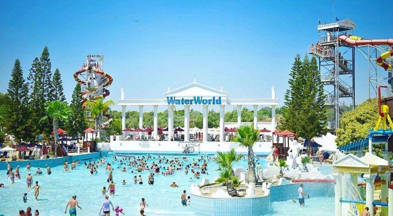 Аквапарк Water World