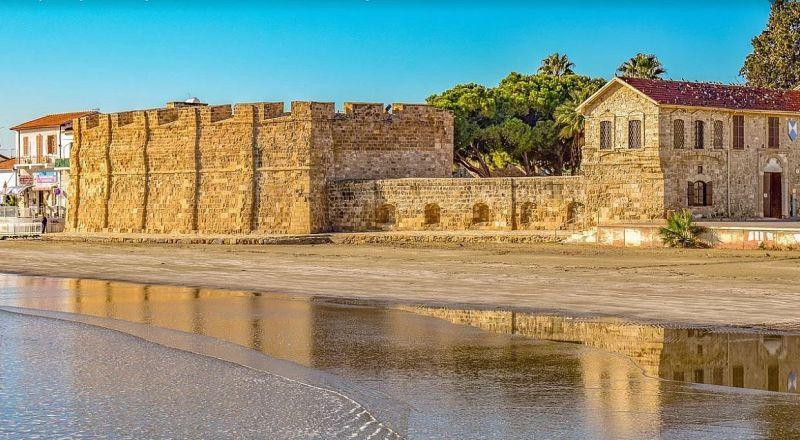 Ларнака замок