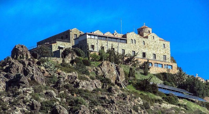 Мужской монастырь Ставровуни