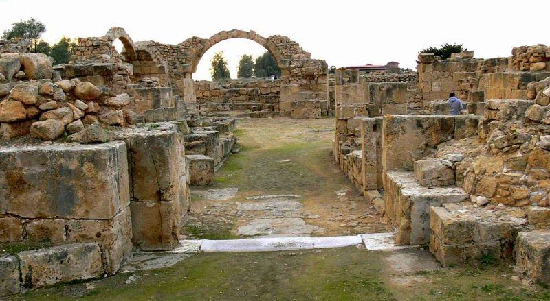 Замок Сорока Колонн